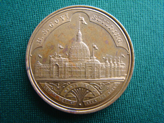 Medaile –World´s Columbian Exposition Chicago 1893,Thesaury Department - United States Mint Exhibit,U.S.Govt. Building – Width 351 Ft - Length 421 Ft – Area 3.3 Acres . (M,pr.3,7 cm)
